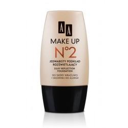AA Make Up No 2 Jedwabisty podkład rozświetlający 30 ml